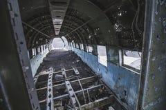 里面飞机击毁 在冰岛在夏天 库存照片