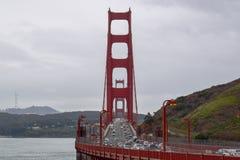 金门大桥桥梁视图-对准线 免版税图库摄影
