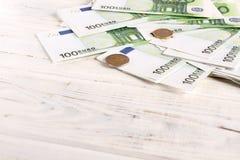 金钱欧元票据和硬币 免版税图库摄影