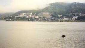 长江中的航船. An small boat on yangtze river Royalty Free Stock Image