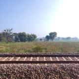 长的印度铁路训练轨道 图库摄影