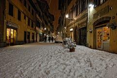 雪在佛罗伦萨,意大利的历史的中心 免版税图库摄影