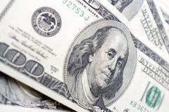 É muitas 100 notas de dólar Foto de Stock