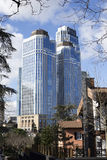 É a opinião das torres do banco, situada no distrito Istambul Turquia de Levent Imagem de Stock Royalty Free