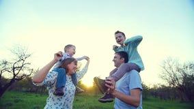 É seu significado, ela é o seu, crianças é sua intenção comum A vida é amor, aprecia vídeos de arquivo