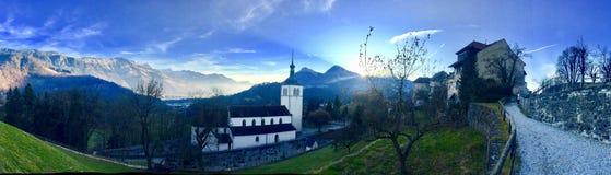 É a vista panorâmica com uma igreja no meio imagem de stock royalty free