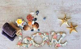 Écartez l'amour et la paix autour du monde sur le Saint Valentin et le Noël Photo stock