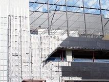 Échafaudage et revêtement sur le chantier de construction de Mi-hausse photo stock