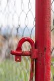 Échafaudage rouge Polonais et détail de crochet Images libres de droits