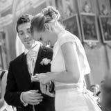 Échange d'anneaux de mariage Photo stock