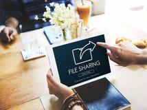 Échange de transfert des données partageant le concept de téléchargement de synchronisation image stock