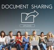Échange de transfert des données partageant le concept de téléchargement de synchronisation photo stock