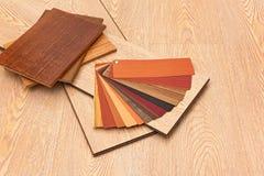 Échantillons de panneaux de plancher en stratifié Photo stock
