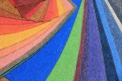 Échantillons de tapis dans une boutique Photo stock