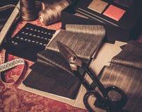 Échantillons de tissu pour les costumes faits sur commande Image libre de droits