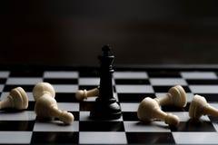 échecs de marbre de marbre de roi de pièces d'échecs Images libres de droits