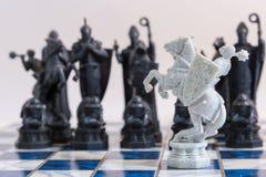 Échecs, un jeu stratégique de la conquête Images stock