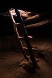 Échelle dans le pueblo Kiva Image libre de droits