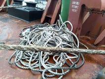 Échelle de corde sur le bateau Corde et bois Photographie stock libre de droits
