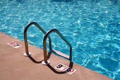 Échelle de piscine Photos stock