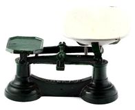 Échelles de équilibrage de cuisine antique de fer Photos libres de droits