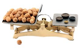 Échelles de équilibrage de cuisine antique de fer Photo libre de droits