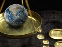 Échelles et globe Photos stock