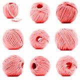 Écheveau rouge de la collection de laine de fil d'isolement sur le fond blanc Photographie stock