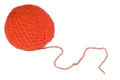 Écheveau rouge de laines pour le tricotage Images stock