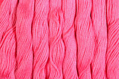 Écheveaux roses de soie comme texture de fond Images stock