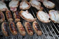 Échine et saucisses de porc. Photo libre de droits