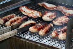 Échine et saucisses de porc. Image libre de droits