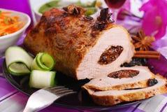 Échine rôtie de porc bourrée du pruneau Image libre de droits