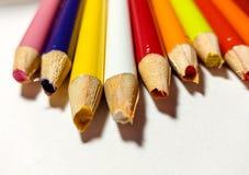 Échouer coloré de taille-crayons Photos libres de droits