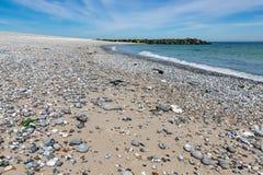 Échouez avec des cailloux à l'île dunaire allemande près de Helgoland Photos libres de droits