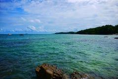 Échouez avec des roches et des pierres d'île Koh Samet, Rayong, Thaïlande de Samet Photos libres de droits
