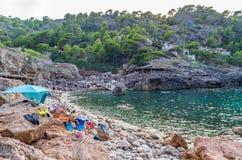 Échouez Cala Deia à la côte de Majorque, Baléares, Espagne photos stock