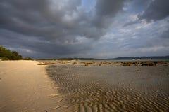 Échouez la vue avec des modèles de sable en île d'Andaman et de Nikobar, Inde Photo libre de droits
