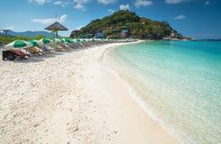 Échouez la vue de l'île de yuans de Nang de l'île Thaïlande de Koh Tao image stock