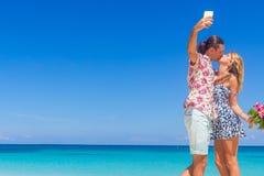 Échouez les couples l'été romantique de vacances de lune de miel de voyage Photo libre de droits