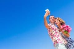 Échouez les couples l'été romantique de vacances de lune de miel de voyage Photographie stock