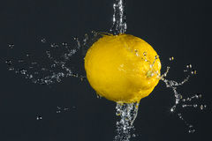 Éclaboussement de citron Photos stock