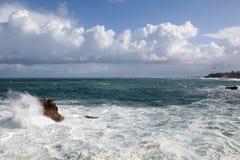 Éclaboussement des ondes Photographie stock libre de droits