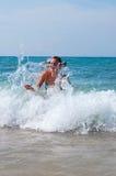 Éclaboussement des vagues Photographie stock libre de droits