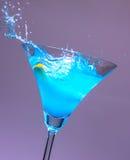 Éclaboussure bleue de cocktails Image libre de droits