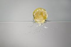 Éclaboussure de citron Photographie stock libre de droits