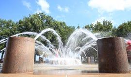 Éclaboussure de fontaine photos stock