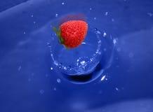 Éclaboussure de fraise Images stock
