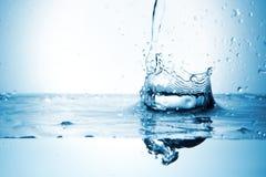 Éclaboussure de l'eau avec la forme de couronne Photo libre de droits