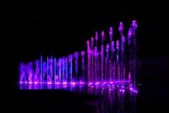 Éclaboussure de l'eau - couleur au néon Images stock